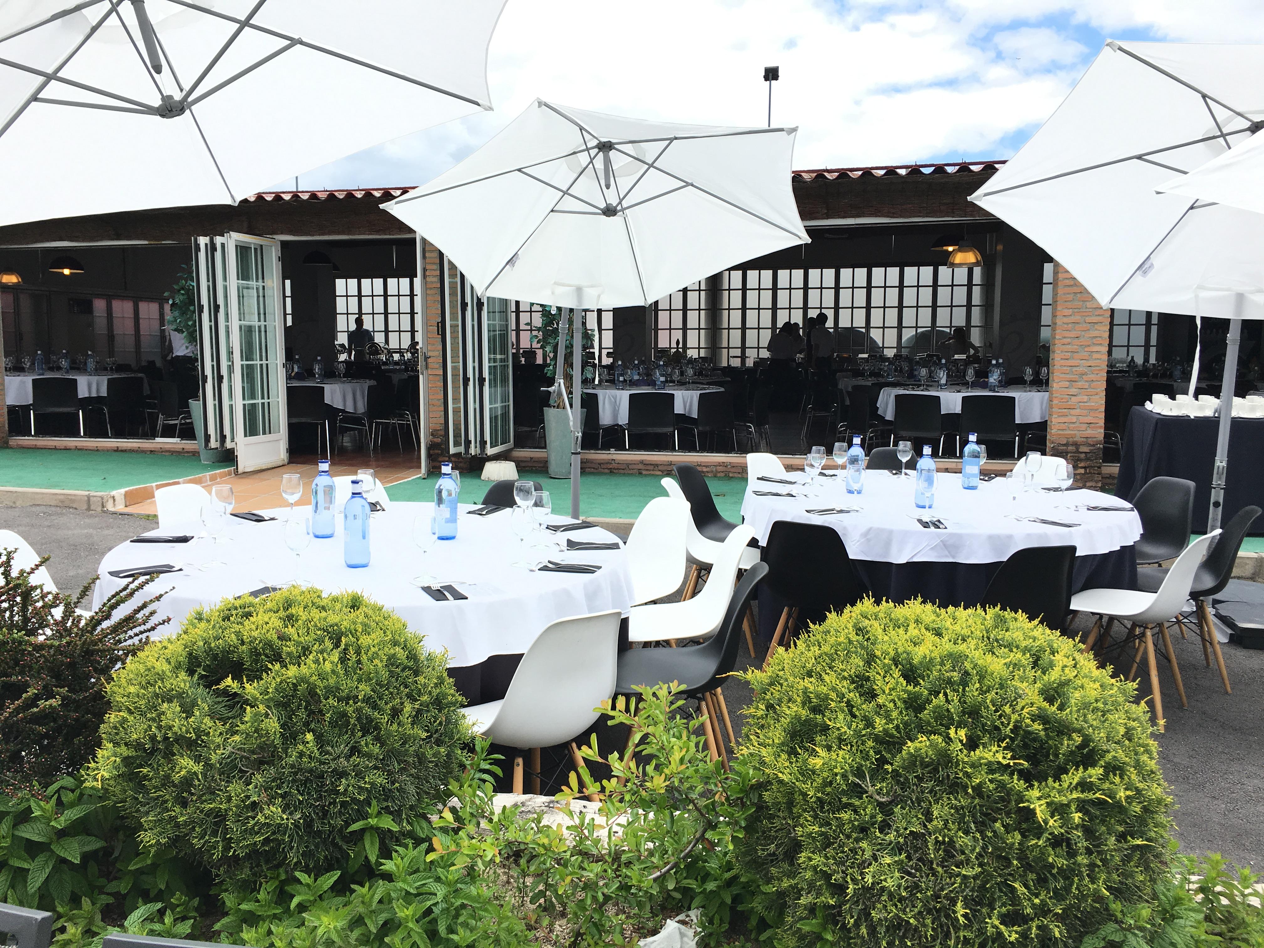 Jarama Café Terraza Salón Restaurante